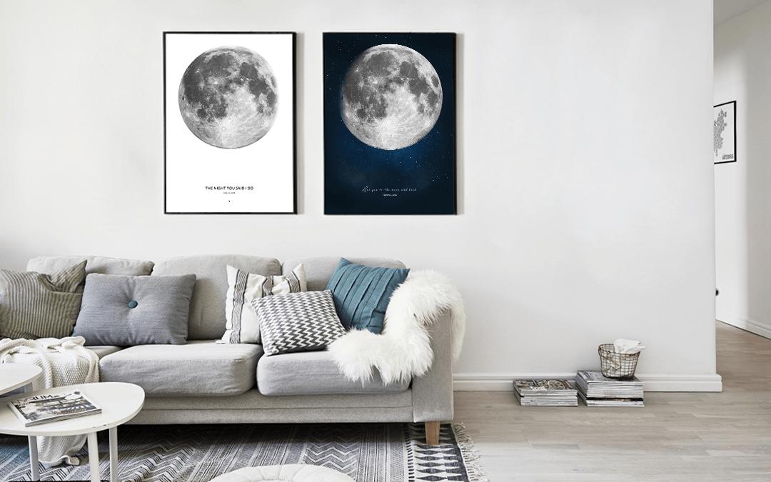 Dwa plakaty księżycowe na ścianie lekkiego minimalistycznego mieszkania
