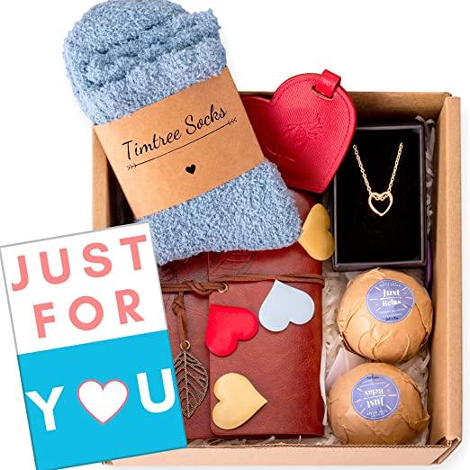 Romantic Gift Ideas for Girlfriend's Birthday - Gift Box